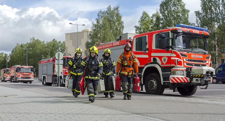 Pelastuslaitos lisää eniten turvallisuuden tunnetta, vastasivat suomalaiset