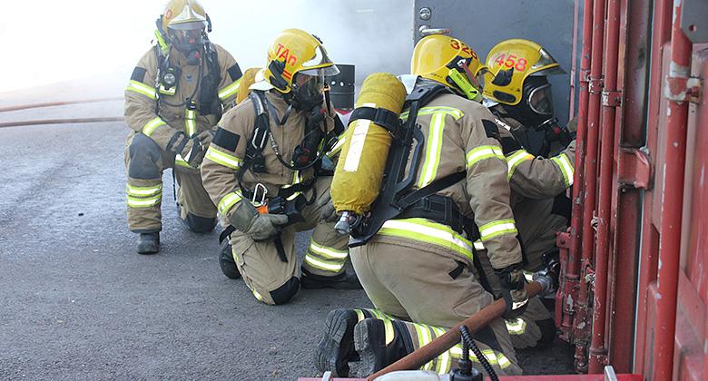 Työ palomiesten palkkauksen parantamiseksi jatkuu Helsingissä