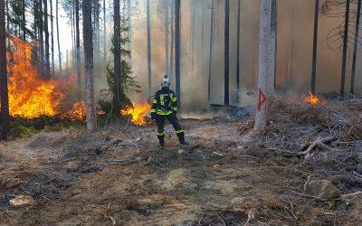 Metsäpalopuku antaa palomiehelle paremman suojan